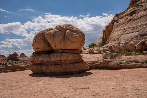 Hamburger Rock in Coyote Buttes North
